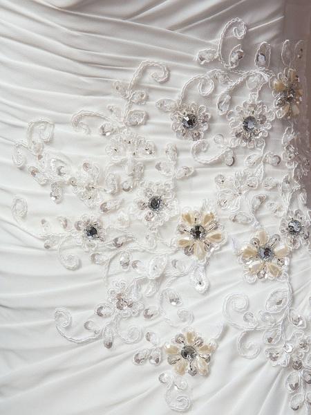 Sheath \ Column Wedding Dresses Bateau Neck Court Train Chiffon Cap Sleeve_9