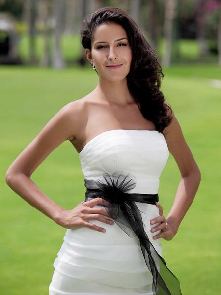 Mermaid \ Trumpet Wedding Dresses Strapless Floor Length Organza Satin Sleeveless Wedding Dress in Color_3