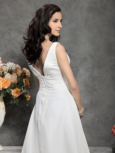Princess A-Line Wedding Dresses Straps V Neck Court Train Chiffon Sleeveless_6