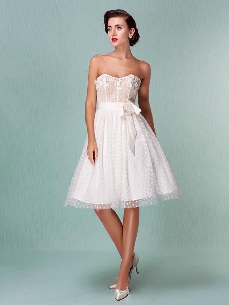 Princess A-Line Wedding Dresses Sweetheart Neckline Knee Length Tulle Strapless Little White Dress_1