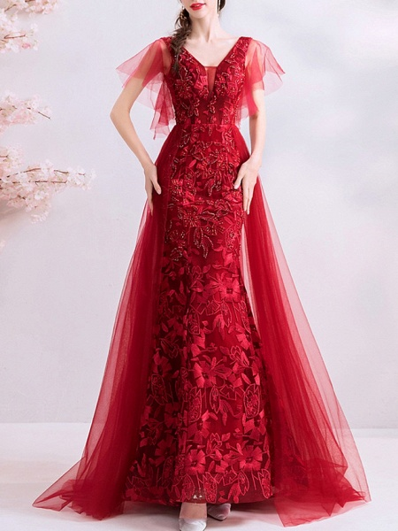 A-Line Wedding Dresses V Neck Sweep \ Brush Train Polyester Short Sleeve Romantic Plus Size Red_1