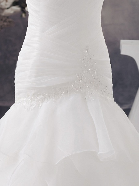 A-Line Sweetheart Neckline Chapel Train Organza Strapless Wedding Dresses_6