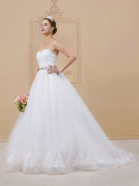 Ball Gown Sweetheart Neckline Chapel Train Tulle Lace Over Tulle Strapless Glamorous Sparkle & Shine Wedding Dresses_3
