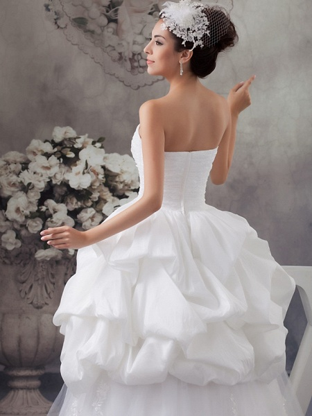 A-Line Sweetheart Neckline Floor Length Lace Satin Tulle Strapless Wedding Dresses_5
