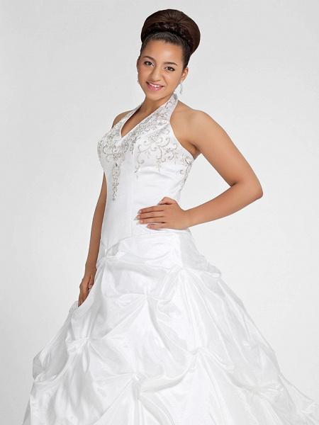 Ball Gown V Neck Court Train Taffeta Regular Straps Glamorous Vintage Plus Size Backless Wedding Dresses_4