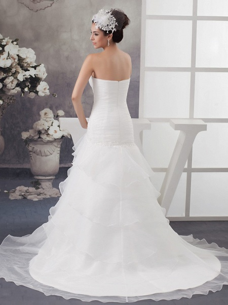 A-Line Sweetheart Neckline Chapel Train Organza Strapless Wedding Dresses_3