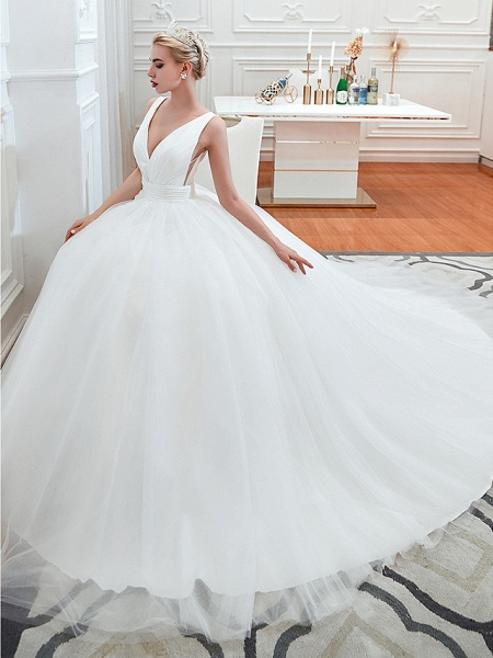 Ball Gown Wedding Dresses V Neck Court Train Tulle Regular Straps Simple Glamorous Backless_8