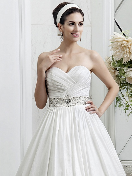 Princess A-Line Wedding Dresses Sweetheart Neckline Court Train Taffeta Sleeveless_5