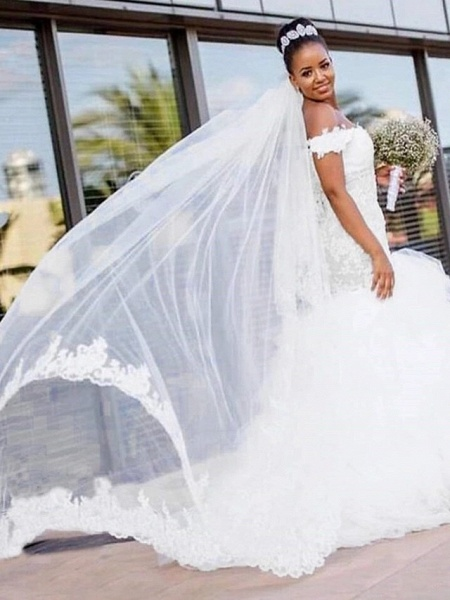 Mermaid \ Trumpet Wedding Dresses Off Shoulder Chapel Train Lace Tulle Lace Over Satin Short Sleeve Sexy_1