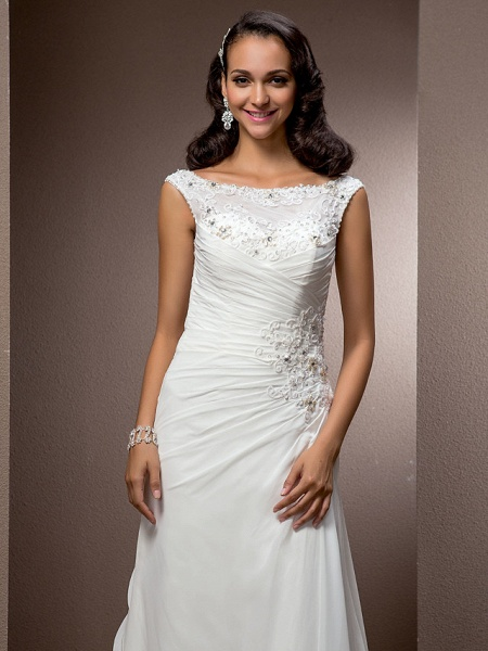 Sheath \ Column Wedding Dresses Bateau Neck Court Train Chiffon Cap Sleeve_5