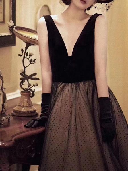 A-Line Wedding Dresses V Neck Floor Length Lace Long Sleeve Formal Black_1
