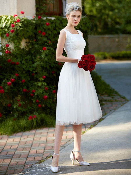 A-Line Wedding Dresses Square Neck Knee Length Lace Tulle Regular Straps Simple Casual Vintage Plus Size Cute_4