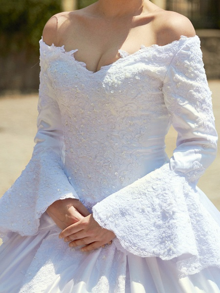 Ball Gown V Neck Chapel Train Satin Long Sleeve Wedding Dresses_15