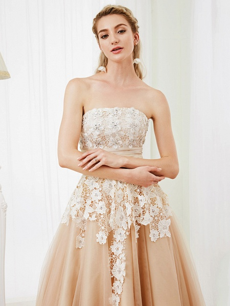 Ball Gown Wedding Dresses Strapless Tea Length Lace Satin Tulle Strapless Romantic Casual Illusion Detail_7