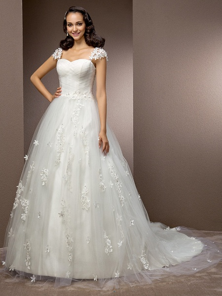 Ball Gown Square Neck Court Train Tulle Short Sleeve Wedding Dresses_3