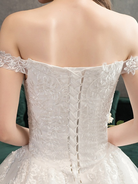 Ball Gown Wedding Dresses Off Shoulder Watteau Train Lace Tulle Polyester Short Sleeve Romantic_5
