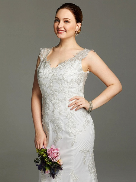 Mermaid \ Trumpet Wedding Dresses V Neck Court Train Lace Sleeveless Open Back See-Through_6