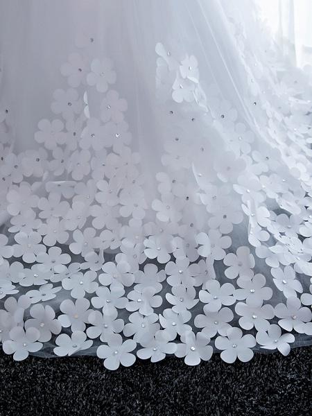 Ball Gown Wedding Dresses Strapless Chapel Train Satin Tulle Strapless Sparkle & Shine_10