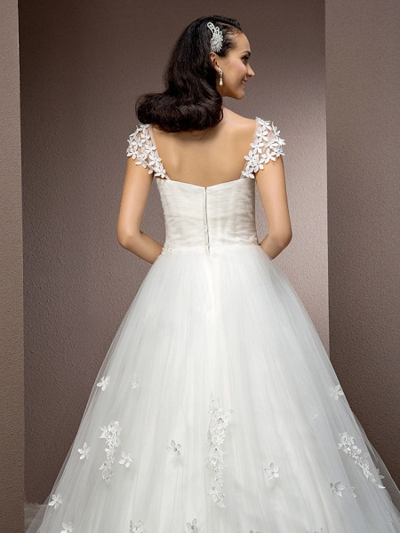 Ball Gown Square Neck Court Train Tulle Short Sleeve Wedding Dresses_6