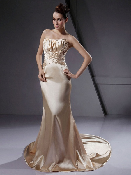 Mermaid \ Trumpet Wedding Dresses Strapless Court Train Stretch Satin Sleeveless Wedding Dress in Color_1