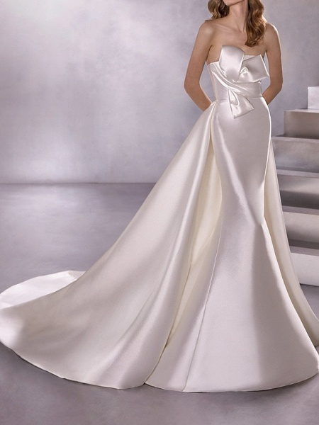 A-Line Wedding Dresses Strapless Court Train Satin Sleeveless Country Plus Size_1