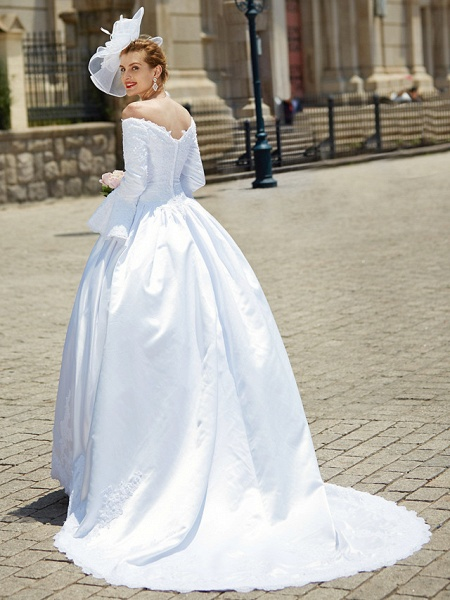 Ball Gown V Neck Chapel Train Satin Long Sleeve Wedding Dresses_7