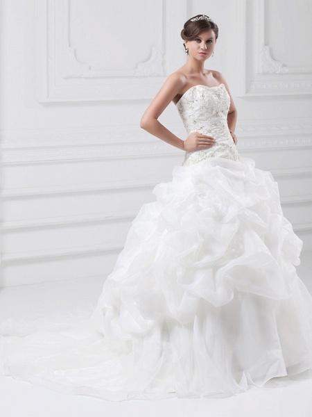 Ball Gown Sweetheart Neckline Chapel Train Organza Satin Strapless Wedding Dresses_3