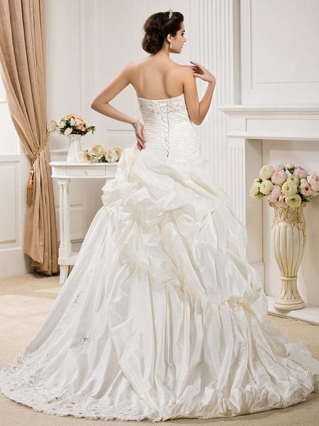 Ball Gown Sweetheart Neckline Court Train Taffeta Sleeveless Wedding Dresses_2