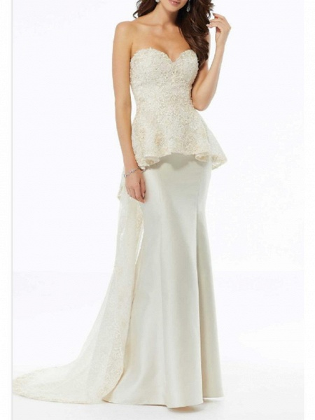 A-Line Wedding Dresses Strapless Sweep \ Brush Train Charmeuse Strapless Plus Size_1