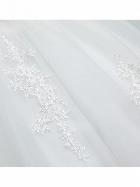 Ball Gown Wedding Dresses Bateau Neck Floor Length Lace Tulle Polyester Short Sleeve Romantic_8