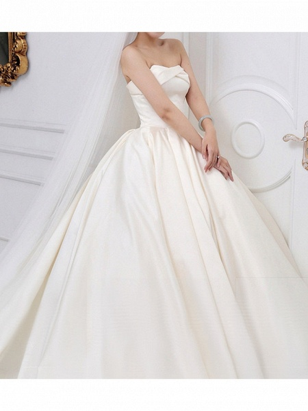 A-Line Wedding Dresses Strapless Cathedral Train Chiffon Strapless_2