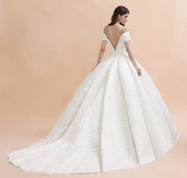 Graceful Off The Shoulder Lace Tulle Ball Gown Wedding Dress_5