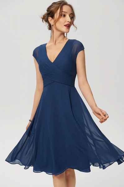 Simple A-Line Knee-Length Chiffon Cocktail Dress With Ruffle
