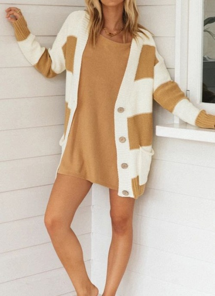 V-Neckline Color Block Casual Loose Regular Pockets Buttons Sweaters_6