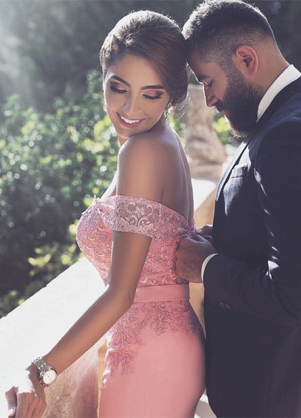 Chic Long A-Line Off-the-Shoulder Lace Prom Dresses_3