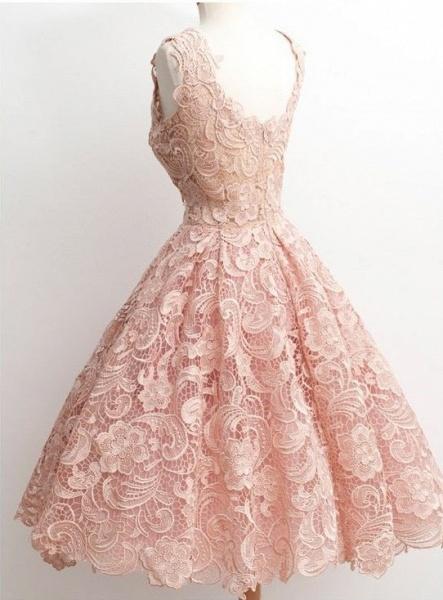 Short A-line V-neck Lace Knee Length Prom Dresses_3
