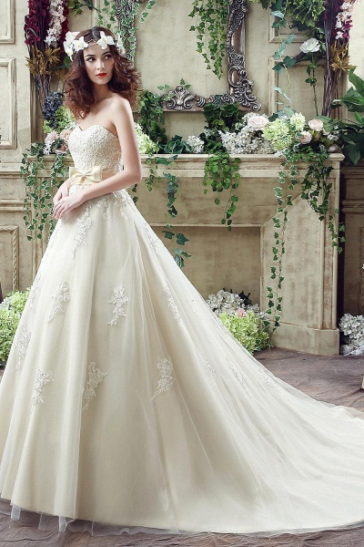 Sweetheart Strapless Lace Appliques Wedding Dress With Bowknot_3