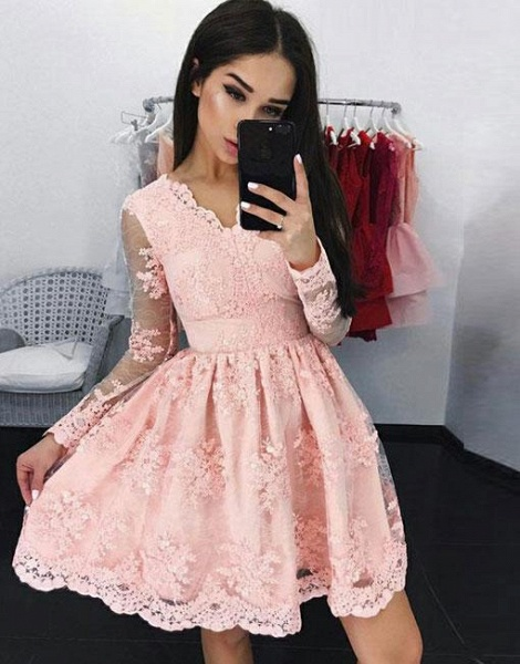 Elegant Short A Line Lace Long Sleeves Homecoming Dresses